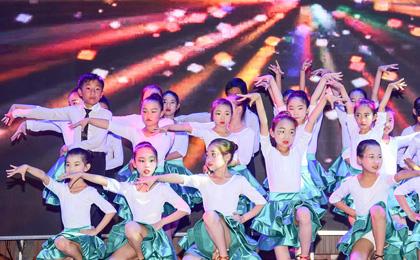 泸州市灵通艺术学校